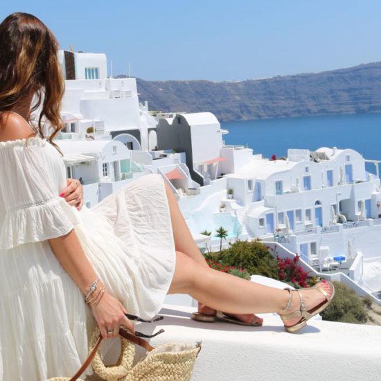 Santorini Schwangerschaftsoutfit Titelbild