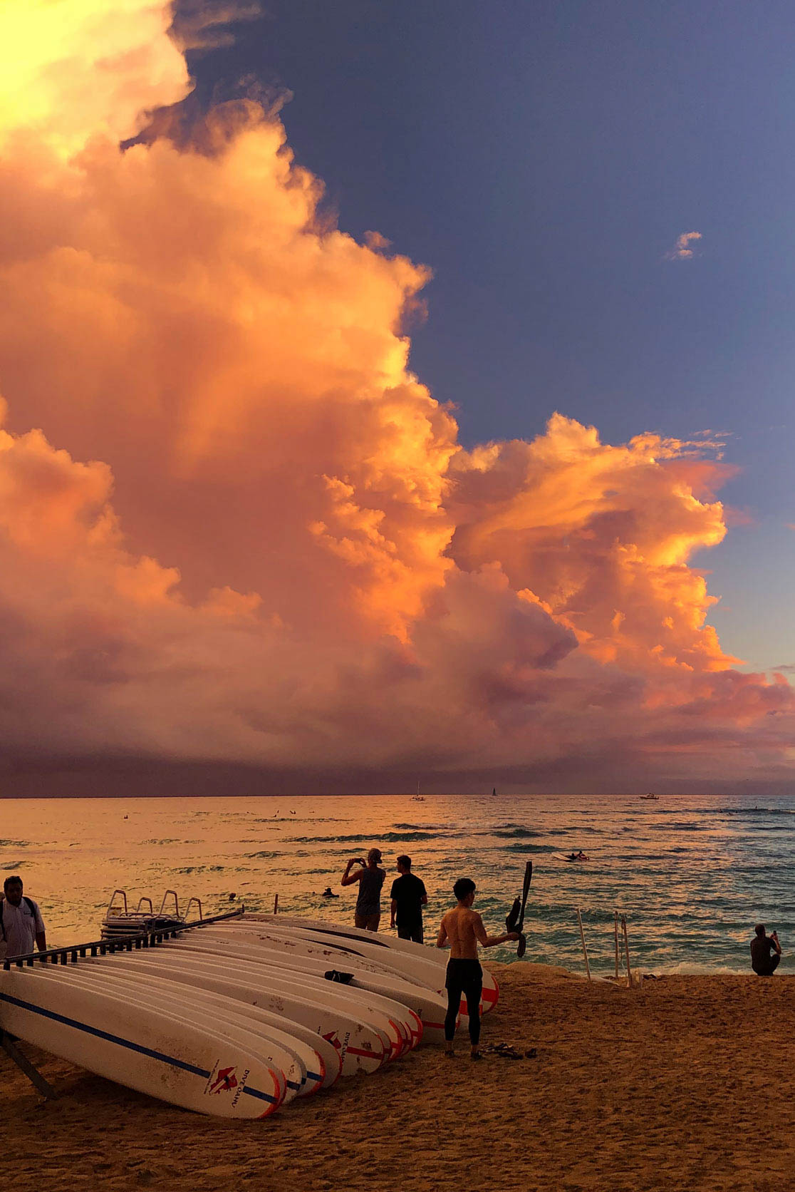 Sonnenuntergang Oahu Waikiki Beach