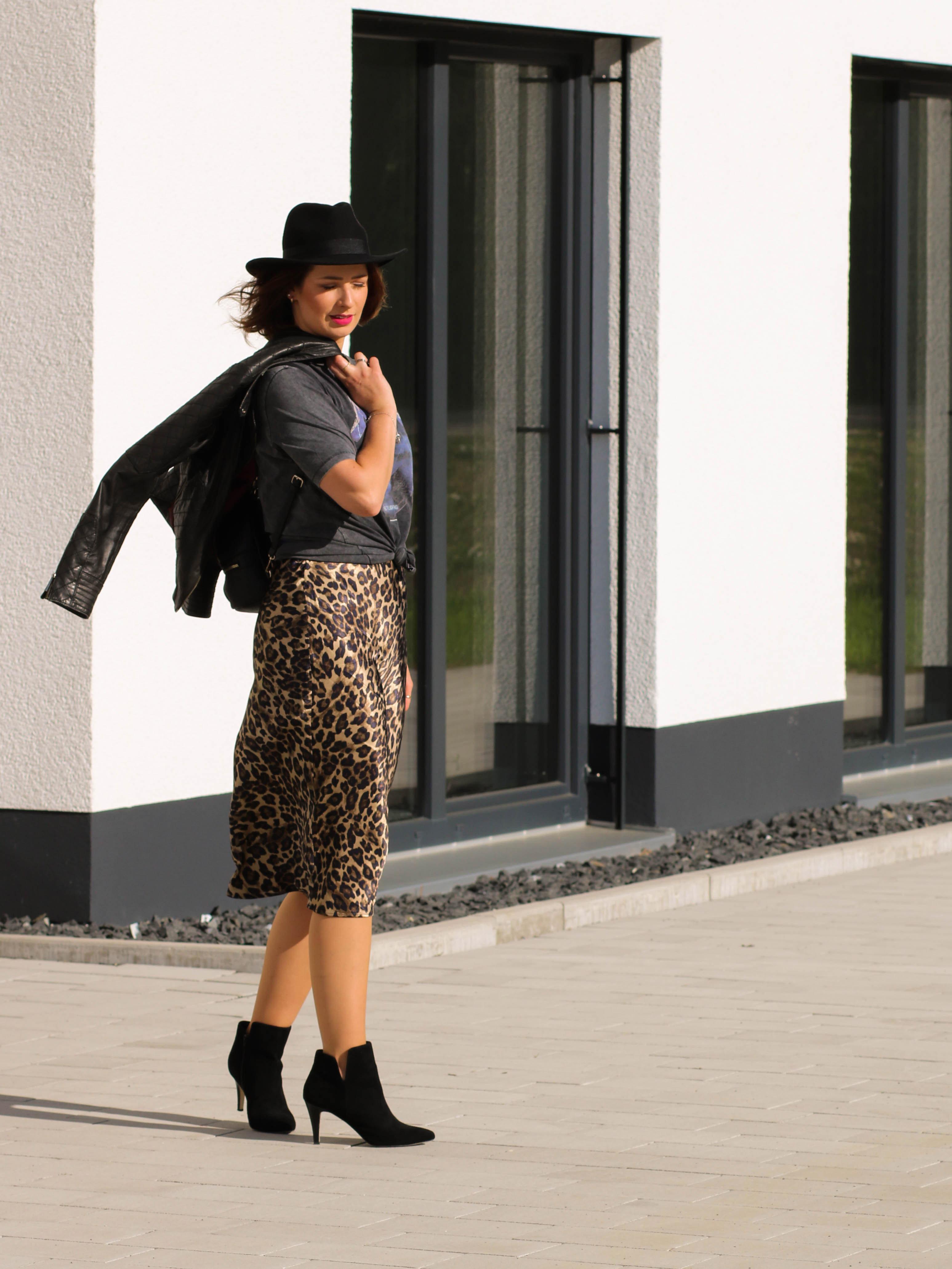 Outfit Midirock Leorock